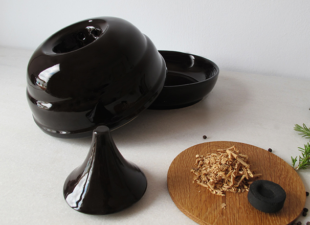 606×440.2SMOKER.DISH.handmade.Valencia.Spain.italian.design.unique.funcional.porcelain.ceramic.fooddesign.tableware.francescosillitti.cooking.plate.jpg