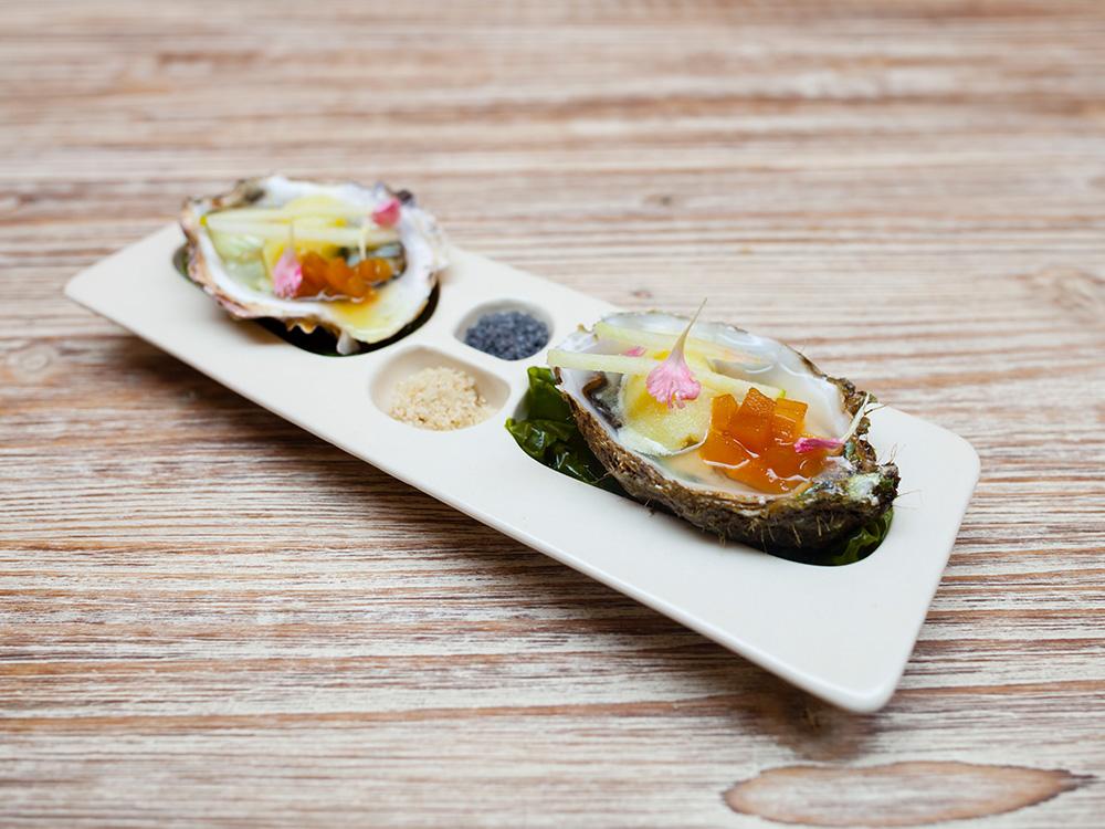1000x750OYSTERDISH.dish.milena.villalba.handmade.Valencia.porcelain.ceramic.design.oysters.tapas.enjoy.francesco.sillitti.ceramics