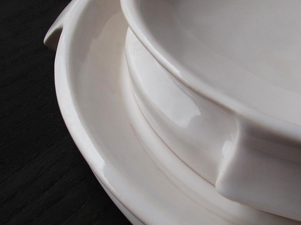 1000x750POSITIVE.NEGATIVE.dish.handmade.Valencia.Spain.italian.porcelain.ceramic.design.unique.francesco.sillitti.ceramics.innovative.chef.fooddesign.tableware