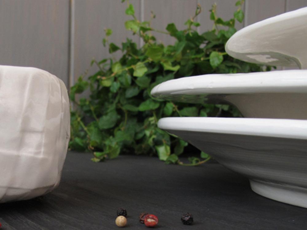 1000x750aSTRIPSDISH.francescosillitti.dish.handmade.Valencia.Spain.italian.porcelain.ceramic.design.unique