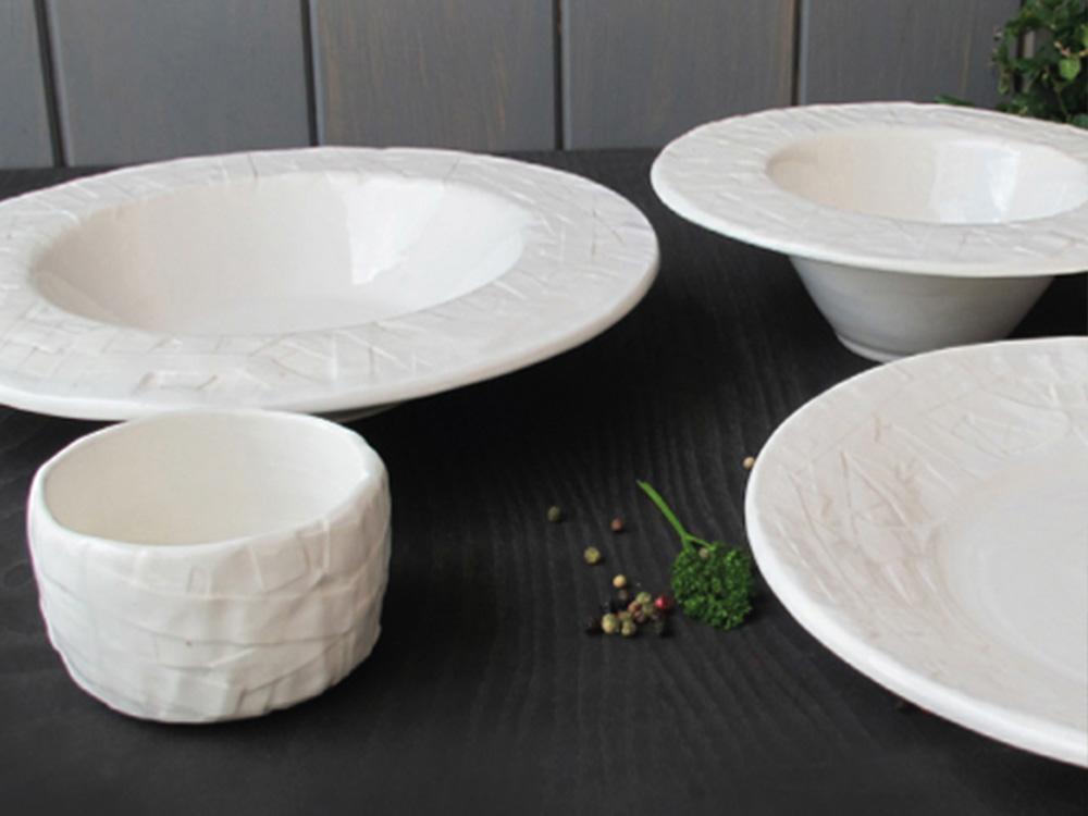 1000x750dSTRIPSDISH.francescosillitti.dish.handmade.Valencia.Spain.italian.porcelain.ceramic.design.unique