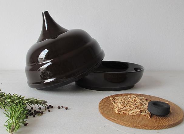 606×440.2SMOKER.DISH.handmade.Valencia.Spain.italian.design.unique.funcional.porcelain.ceramic.fooddesign.tableware.francescosillitti.cooking.plate